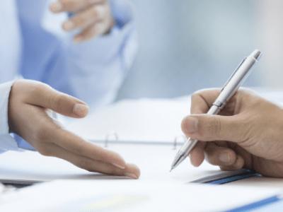 Umowa pożyczki – co powinna zawierać i na co zwrócić uwagę?