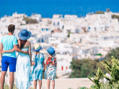 Wczasy w Grecji. Co warto zwiedzić? Ile pieniędzy należy ze sobą zabrać?