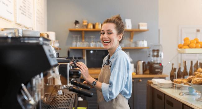 Pożyczka dla małej firmy – czy warto wziąć pożyczkę na rozwój własnego biznesu?
